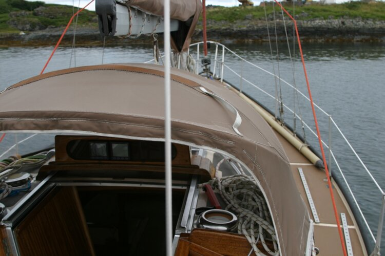 Bruce Roberts 34 Sailing Yachtfor sale View forward starboard from cockpit -