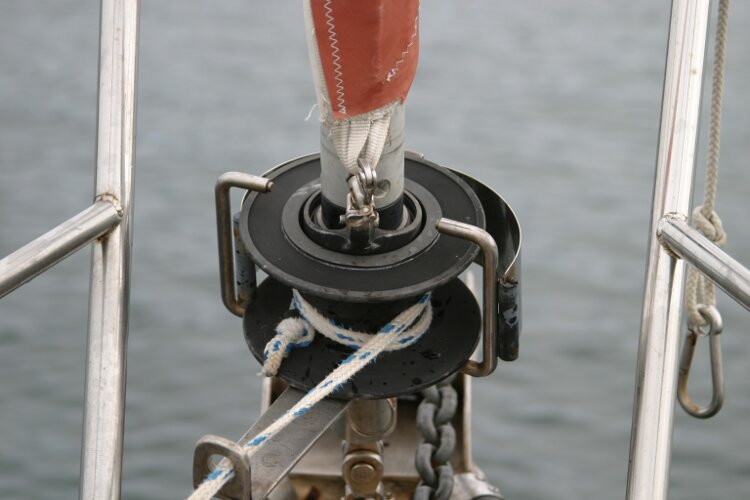 Bruce Roberts 34 Sailing Yachtfor sale Roller Reefing Gear -