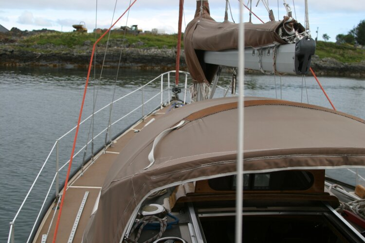 Bruce Roberts 34 Sailing Yachtfor sale View forward, port side -