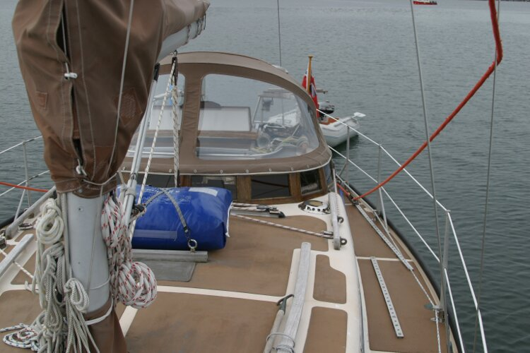 Bruce Roberts 34 Sailing Yachtfor sale View aft, port side -