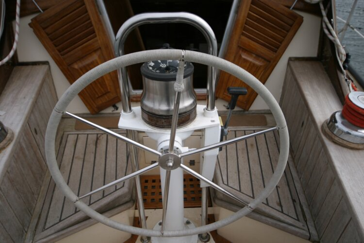 Bruce Roberts 34 Sailing Yachtfor sale Detail of Helm Position. -