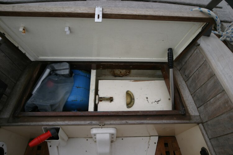 Bruce Roberts 34 Sailing Yachtfor sale Gas Locker. - Under helm seat.
