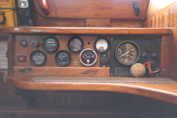 Bruce Roberts 34 Sailing Yachtfor sale Engine control panel. - At companionway steps.