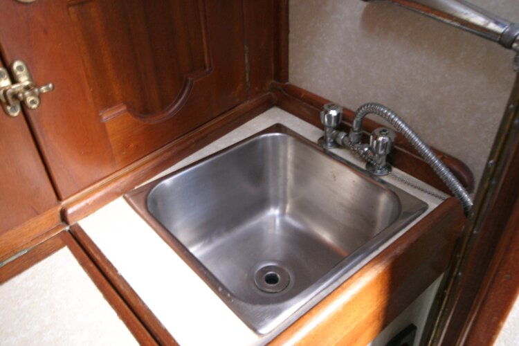 Bruce Roberts 34 Sailing Yachtfor sale Wash Basin in Heads Compartment. -