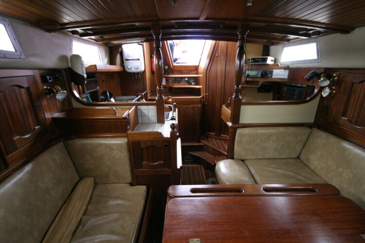 Bruce Roberts 34 Sailing Yachtfor sale Saloon Looking Aft. -