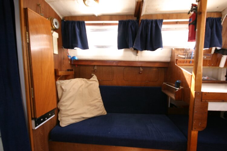 Colvic Springtide 25for sale Nav station quarter berth -