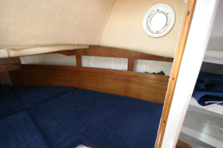 Colvic Springtide 25for sale Forward cabin, starboard side -