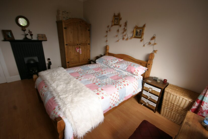 Western Isles Property -  House on the Isle of Lewisfor sale Master Bedroom - bed