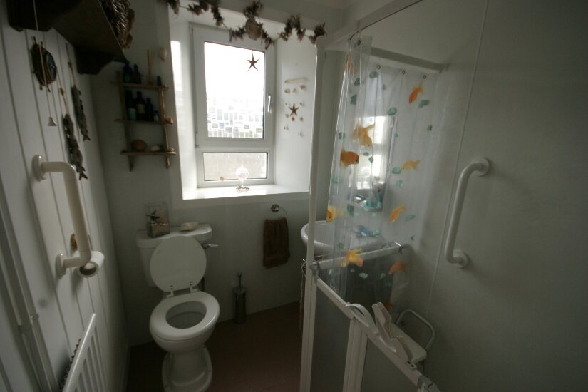 Western Isles Property -  House on the Isle of Lewisfor sale Luxury bathroom with large shower cubicle shower -
