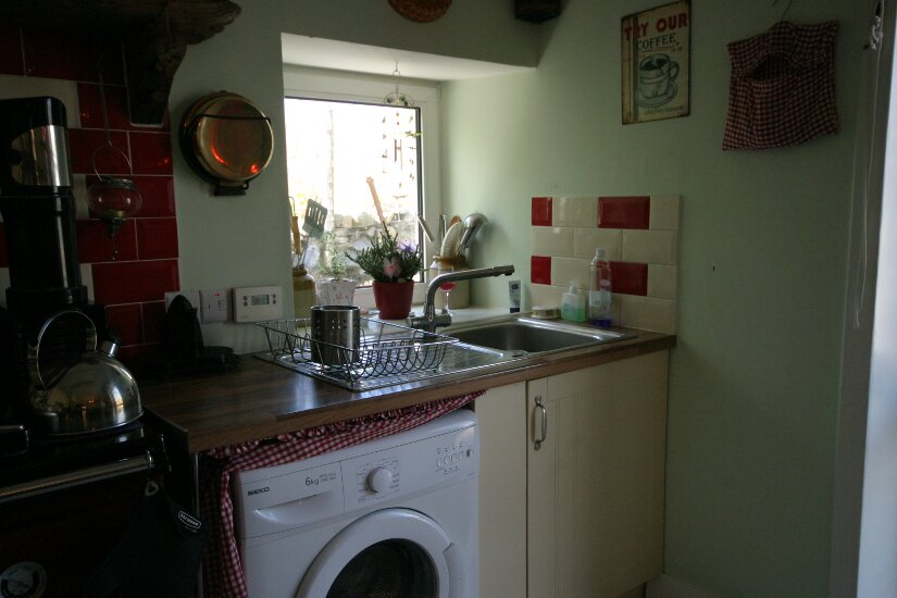 Western Isles Property -  House on the Isle of Lewisfor sale Stainless sink - Well lit