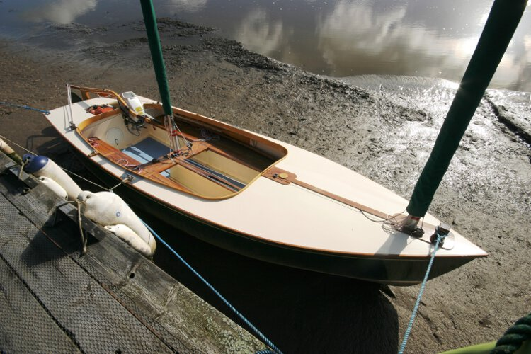 Wooden Classic Core Sound 17for sale Starboard side view - Looking aft