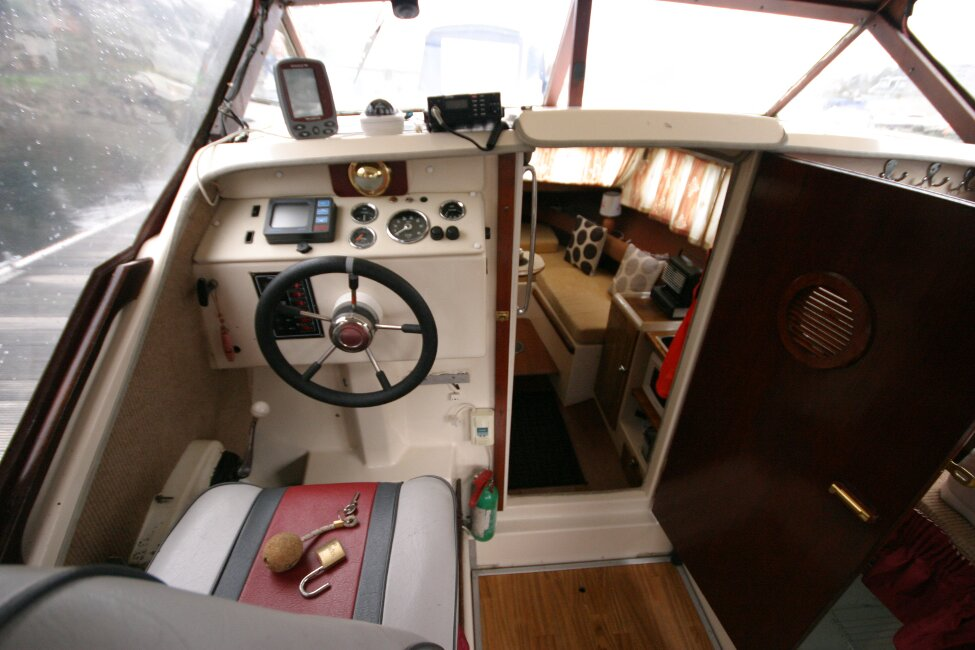 Shetland 640 Hardtopfor sale View from aft cockpit seats -