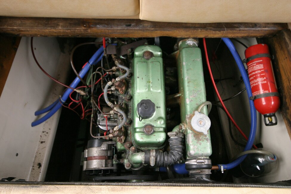 Shetland 640 Hardtopfor sale Engine - View from above