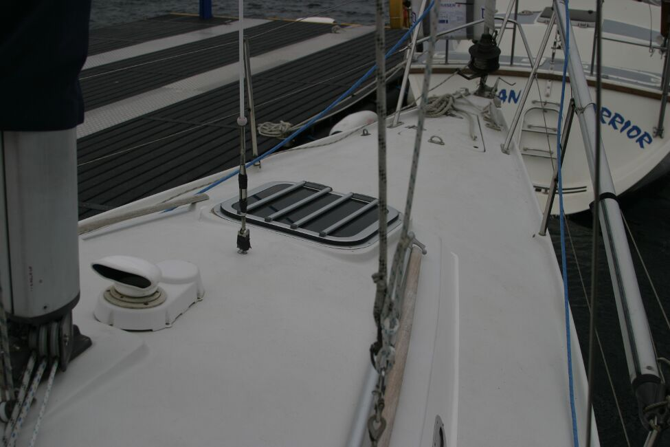 Sadler 29for sale Looking towards the foredeck -