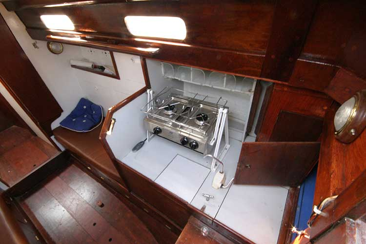 Twister 28for sale Galley from companionway - Starboard