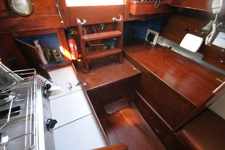 Twister 28for sale Aft to companionway. - Nav area on port side