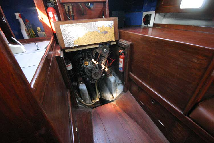 Twister 28for sale Engine Compartment -