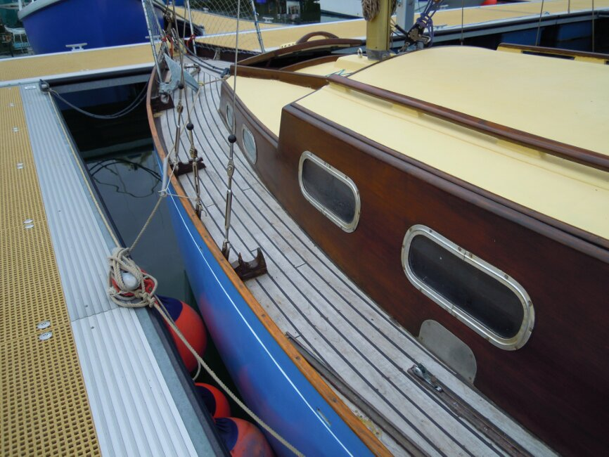Wooden Classic 29 foot Bermudan Sloopfor sale Portside walkway - Owner's photo