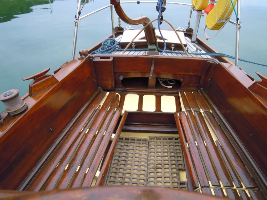 Wooden Classic 29 foot Bermudan Sloopfor sale Cockpit - Owner's photo