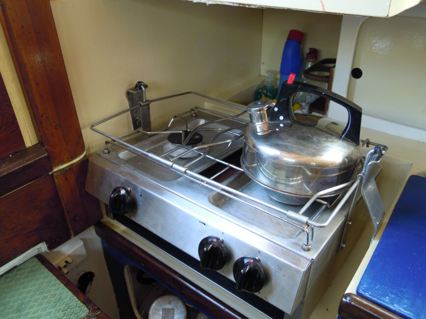 Wooden Classic 29 foot Bermudan Sloopfor sale Galley - gimballed 2 burner and grill - Owner's photo