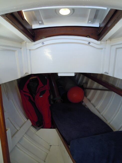 Wooden Classic 29 foot Bermudan Sloopfor sale Forcabin with hatch and single berth - Owner's photo