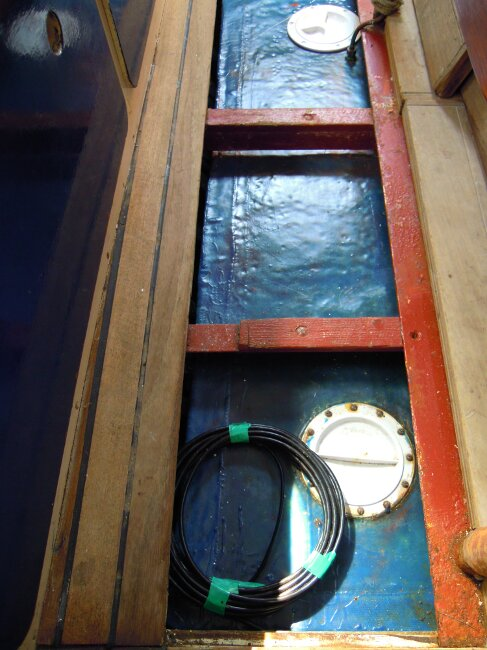Wooden Classic 29 foot Bermudan Sloopfor sale Water tank beneath saloon floor - Owner's photo