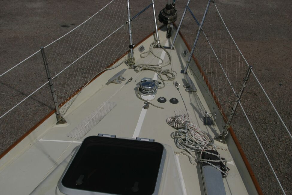 Contessa 32for sale Forehatch and Foredeck -