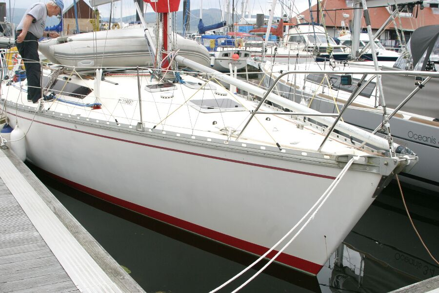 Jeanneau SunShine Regatta 38for sale At a pontoon berth. -