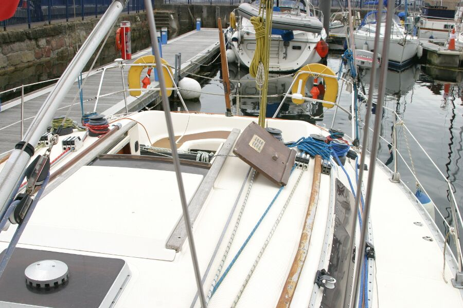 Jeanneau SunShine Regatta 38for sale Coachroof, port side -