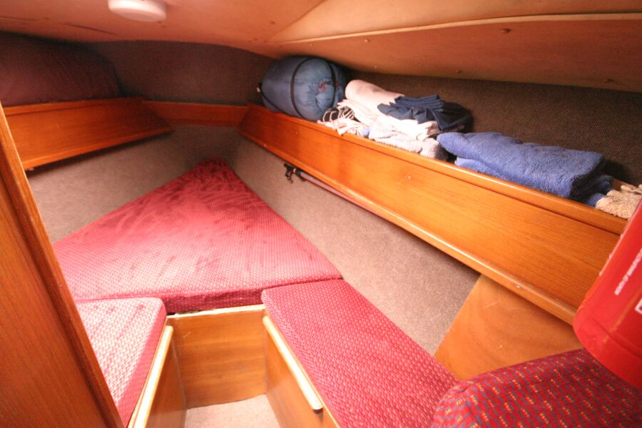 Jeanneau SunShine Regatta 38for sale Forward Cabin - V Berth