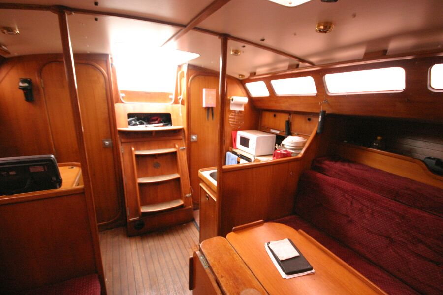 Jeanneau SunShine Regatta 38for sale Galley and companionway - From Dining area