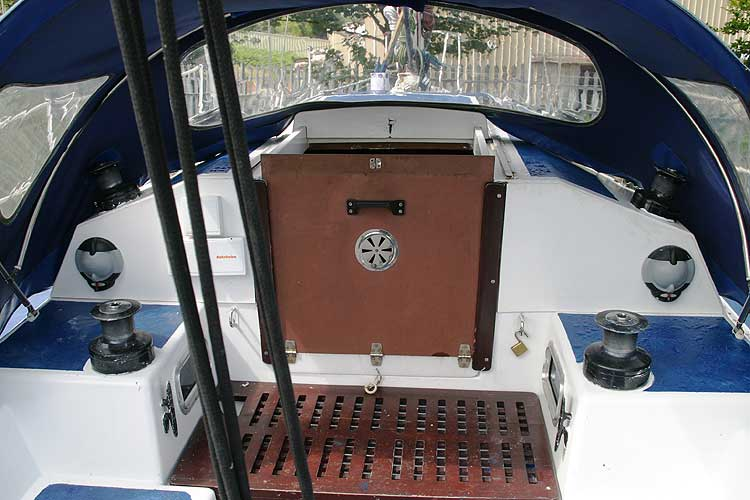 Bolero 35for sale The main hatch - seen from the cockpit