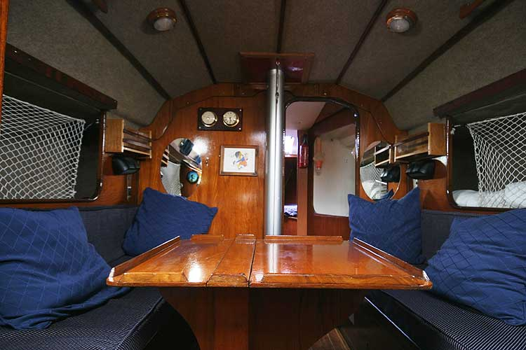Bolero 35for sale The saloon - With the table extended