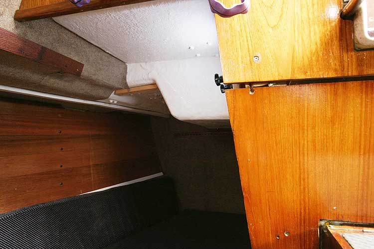 Bolero 35for sale Starboard quarter berth -