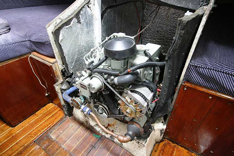 Bolero 35for sale The engine - Note the exellent access