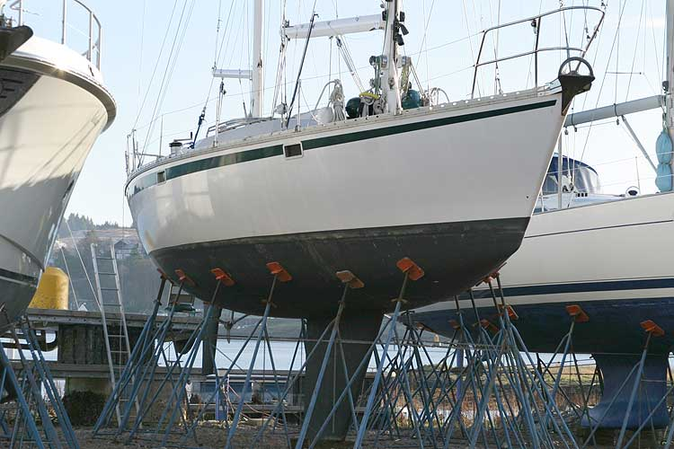 Jeanneau Trinidad 48 Ketchfor sale Out of the water - starboard side