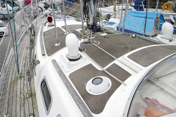 Vancouver 32for sale View forward from sprayhood -