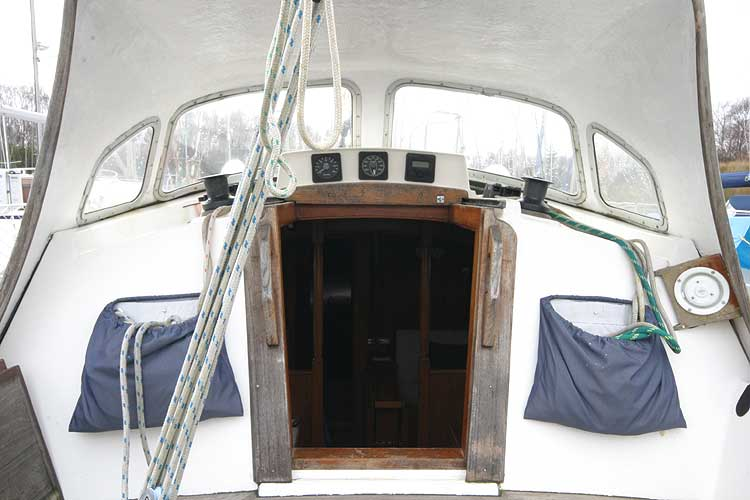 Vancouver 32for sale Under the spray hood -