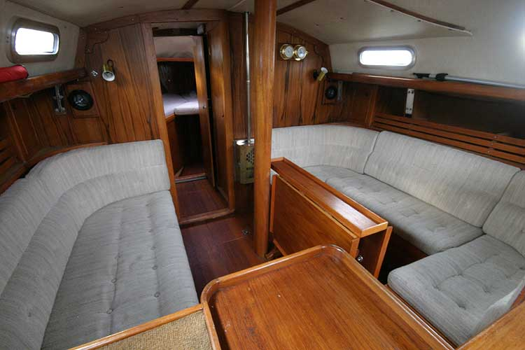 Vancouver 32for sale Saloon and Galley -
