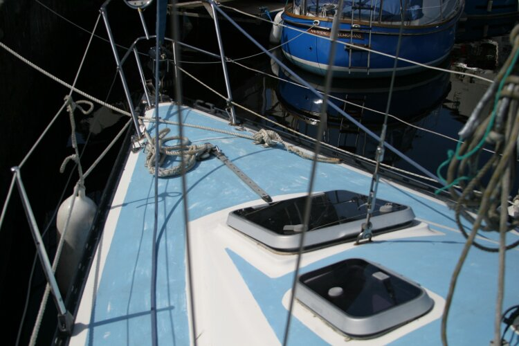 Colvic UFO 27for sale Foredeck from port side -
