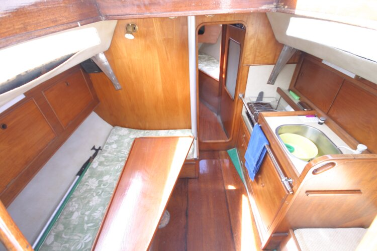 Colvic UFO 27for sale Saloon from Companionway -
