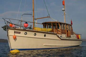 Groves and Gutteridge 47 foot Classic Motor Yacht for sale