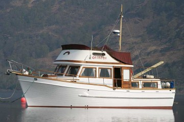 Universal Marine Pacific 38 Trawler Yacht for sale