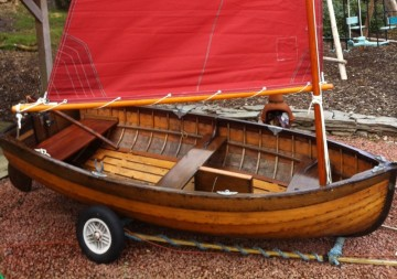 McGruers 9' Clinker Sailing Dinghy for sale